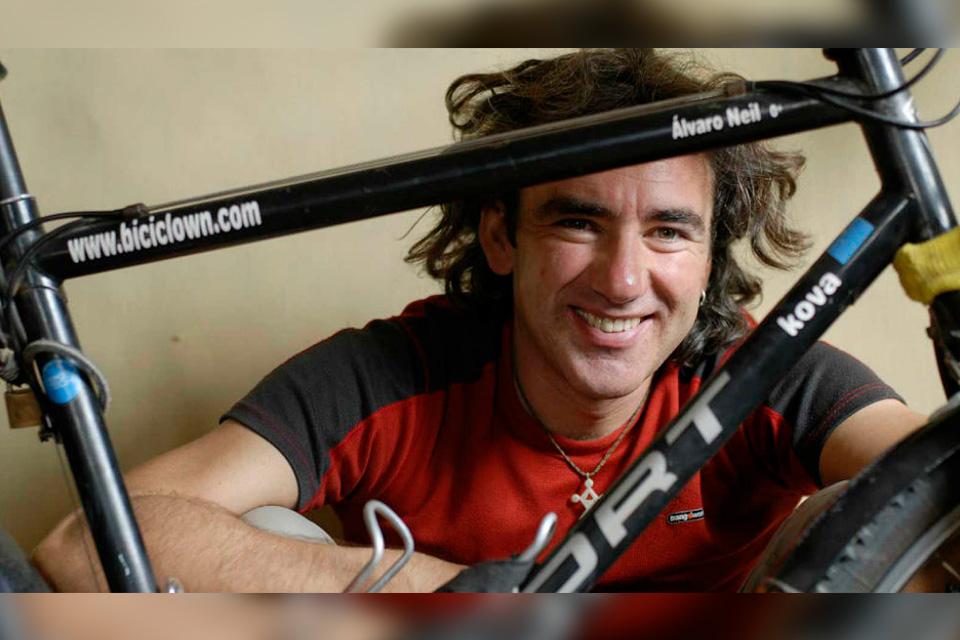 "Alvaro Neil ""Biciclown"""